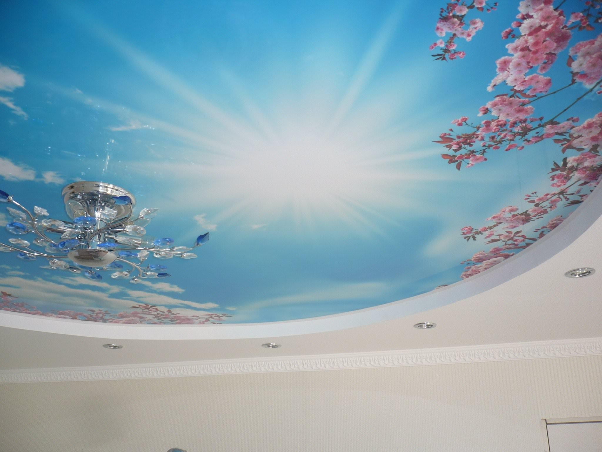 Потолок натяжной с рисунком небо