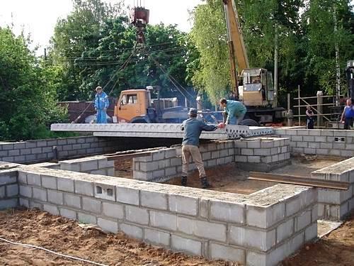 Фундамент из плиты перекрытия 120